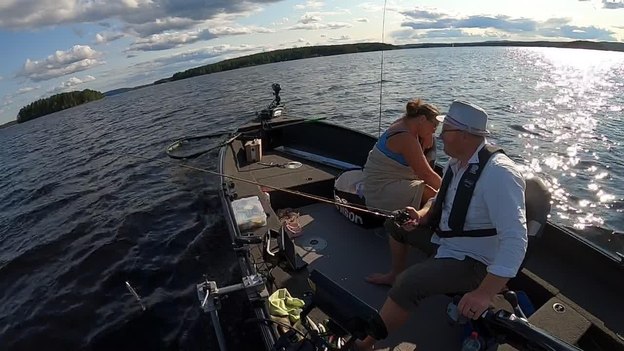 Live on Runn with Fishingstars_Sweden on DVR 2021-07-20 17:56:48