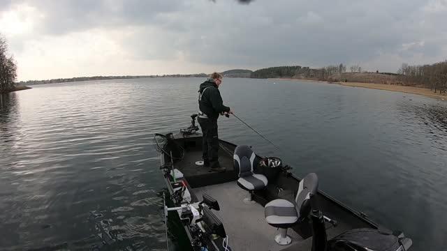 Pike fishing on ljung lake. 8 fish total. Conny gör besök!